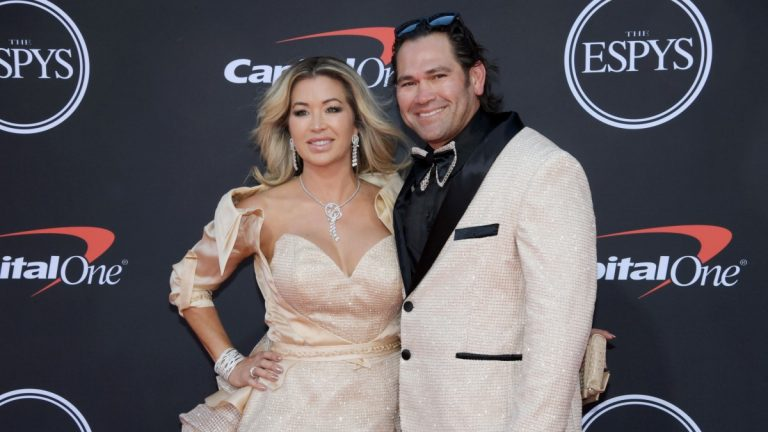 Despite clinching AL East, Johnny Damon and Yankees want